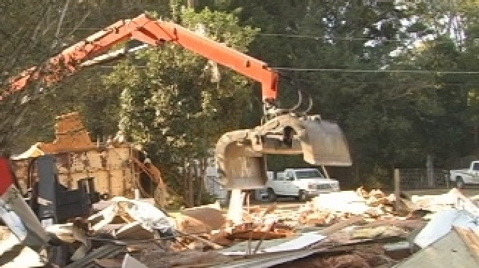 Dilapidated mobile home comes down at Mimosa Trailer Park | WFXL on typical mobile home construction, mobile home roof construction, old mansion construction, old brick home construction, mobile home frame construction, manufactured home floor construction, trailer home wall construction, mobile home ceiling construction, old apartment building construction, mobile home wall construction, old garage construction, old barn construction, old metal roofing, old motorhomes, old island construction, old boat construction,