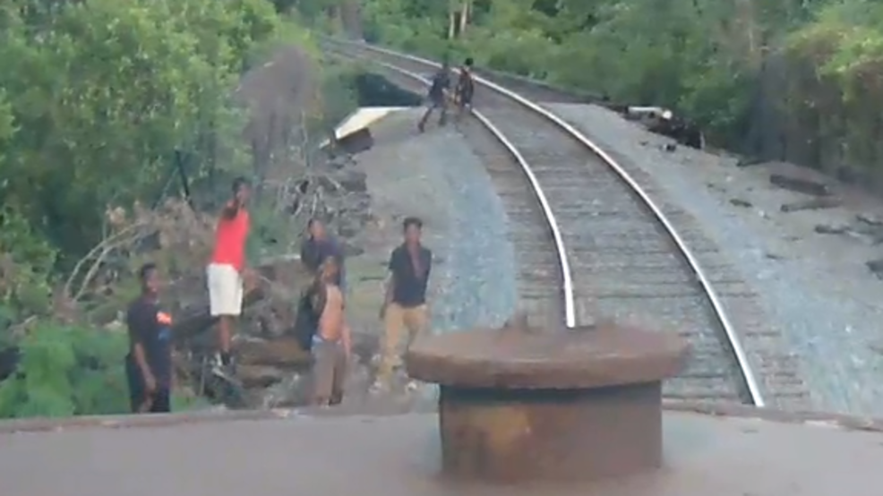 Unidentified teen shoots at freight train in Albany | WFXL